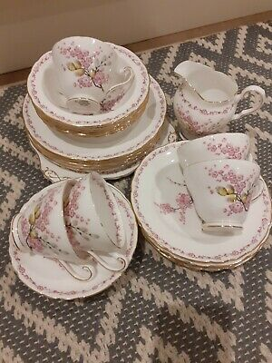 TUSCAN FINE ENGLISH BONE CHINA TEA SET (27 pieces) APRIL BEAUTY