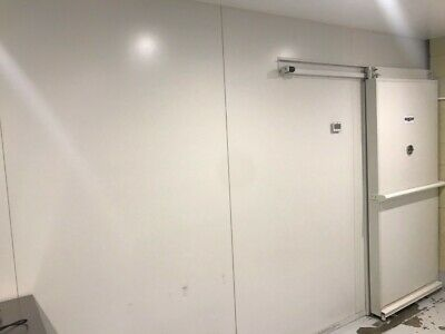 Cool room 4.8 x 3.2 m (21/2 years old in excellent condition)