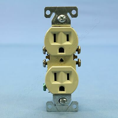 Cooper Residential Ivory Outlet Duplex Receptacle NEMA 5-15R 15A C270V Carded