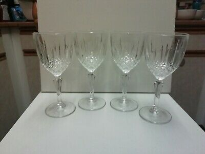 Set Of 4 Crystal Wine Glasses With Beautiful Pattern