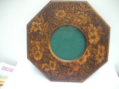 ANTIQUE ARTS & CRAFTS POKERWORK OCTAGONAL PHOTO FRAME c1900 PYROGRAPHY