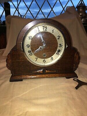 Clock: Lovely Condition Antique Oak Cased Three Keyhole Mantle Clock Working