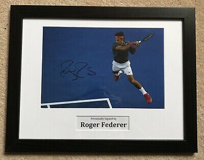 ROGER FEDERER - TENNIS - WIMBLEDON - ORIGINAL SIGNED 12x8 PHOTO FRAMED WITH LOA
