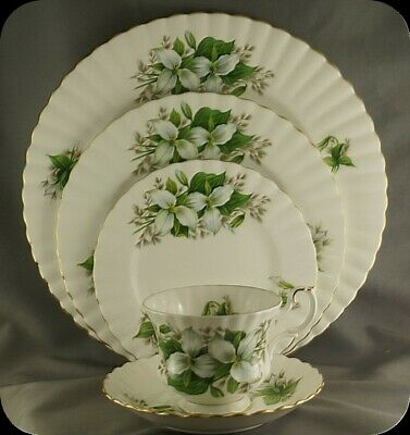 Royal Albert Trillium 5 Piece Place Setting (two available)