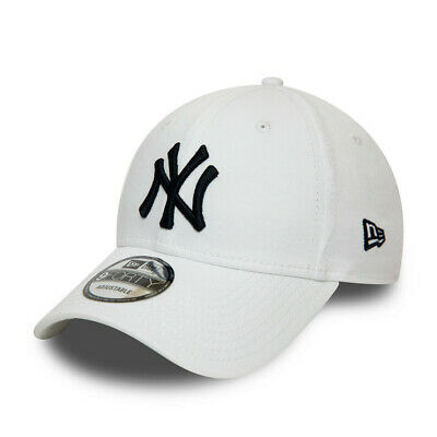 New Era Men's MLB New York Yankees League Essential White & Black 9FORTY Cap