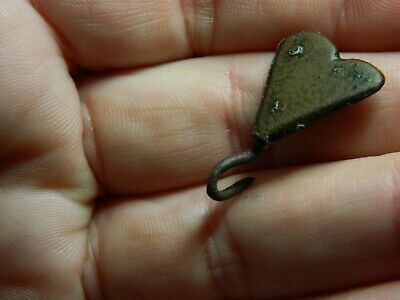 Medieval / Tudor bronze clothes fastener / hook heart Metal detecting detector