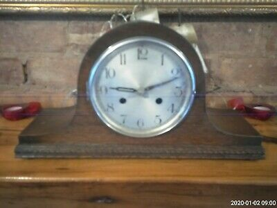 mantle clock 1930s oak cased with pendulum and key