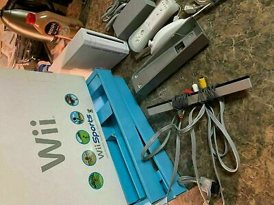 Nintendo Wii Console System White W / Gamecube Ports - In Box