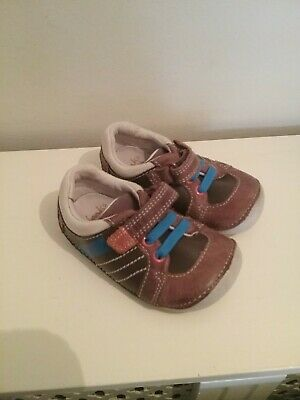 """Barely worn """"CLARKS"""" FIRST boys """"brown/blue trim"""" shoes size 3F"""