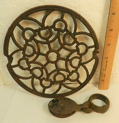 Antique Ornate Cast Iron Wood Stove Kitchen GRATE Trivet W/Vtg Small PULLEY Tool