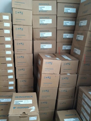 1PC New Yaskawa SGMP-02A314 Free DHL or EMS