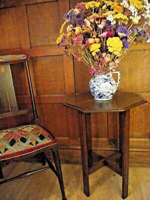 Arts and Crafts Table Circa 1900 in Walnut - Antique Side Lamp Table
