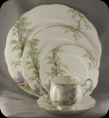 Royal Albert Greenwood Tree Five Piece Place Setting
