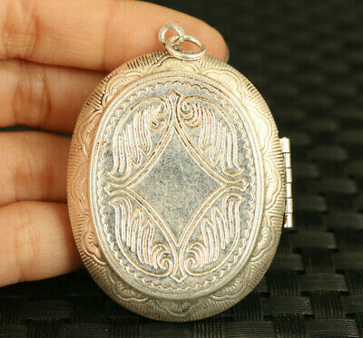 Chinese Tibetan silver Hand pattern statue Photo box pendant collectable gift