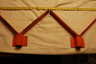 Pair of V-head Pipe Stands for Scaffold