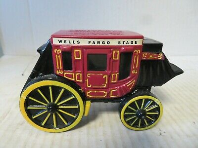 1998 Wells Fargo Stagecoach Metal Diecast Coin Piggy Bank w/ Key Inside Vintage