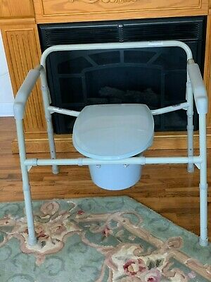 Drive Medical Bariatric Folding Bedside Commode Seat 650 lb Weight Capacity