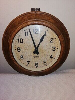 Gents of Leicester, Pulsynetic Impulse Slave Clock in Superb Solid Oak Case.