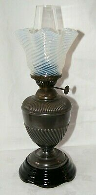 Antique Oil Lamp Vaseline Glass Shade Working.