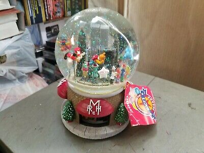 2000 Macy's Parade Musical Snow Globe Twin Towers New York Snoopy w/ Tag No Box