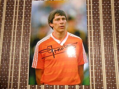 SALE, Arnold Muhren,  Footballer, ORIGINAL HAND SIGNED 6 X 4 PHOTO