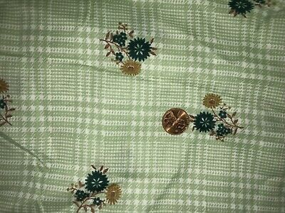 Quilt, Sew, Fabric - 3 YDS Vintage Floral on Green Plaid
