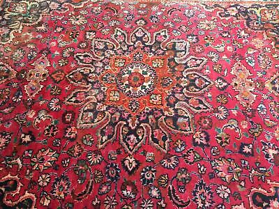 A MARVELLOUS OLD HANDMADE TRADITIONAL ORIENTAL RUG (330 x 225 cm)