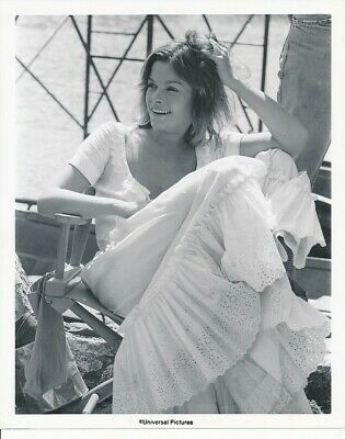 GENEVIEVE BUJOLD Vintage CANDID Behind The Scenes Location Set Universal Photo