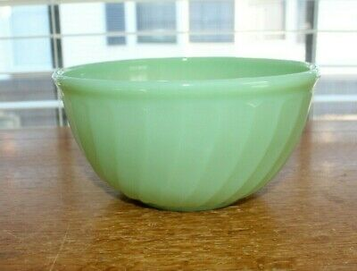 """Anchor Hocking Fire King Swirl Jade-ite Shell 7"""" Wide x 3 1/2""""H Mixing Bowl, USA"""