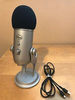 Blue Yeti USB Microphone - Silver with Pop Cover and USB Cable