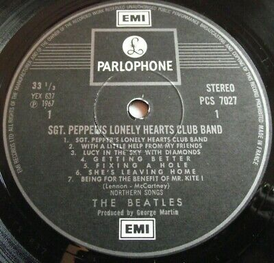 THE BEATLES ~ SGT. PEPPERS ** 70's STEREO French PARLOPHONE LP w/ INSERT
