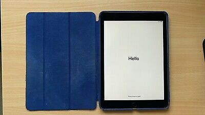Apple iPad Air 2 16GB, Wi-Fi, 9.7in - Space Gray (CA)