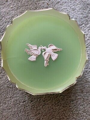 Vintage Avon Dish With Lid With Two Kissing Doves.