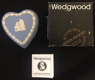 Valentine Wedgwood Vtg Blue White Jasperware Heart Trinket Box Perfect