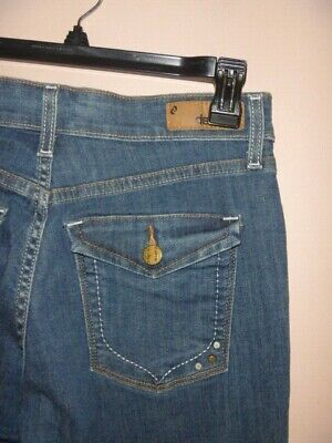 Denizen From Levi's Totally Shaping Boot Cut Jeans Size 6 M .. Wow!!!