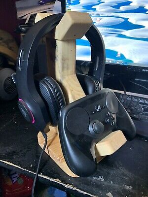 headset and controller stand