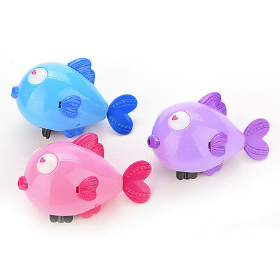 11CM Wind-Up Clockwork Bath Toys Animals Kiss Fish  Baby Shower Swimming_US