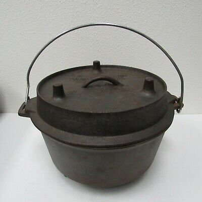 Camp Chef Footed Cast Iron Dutch Oven Cooking Pot With Footed Lid, Handle