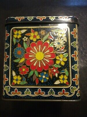 PRETTY VINTAGE EMBOSSED TIN MADE in ENGLAND Hinged Lid RETRO FLORAL MOTIF