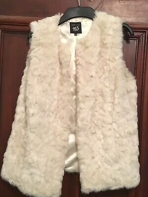 Girls NEW LOOK 915 Cream Faux Fur Gilet Age 14-15 Never Worn