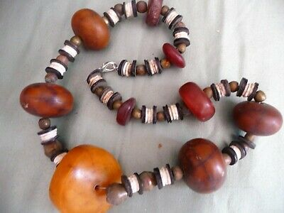 Extraordinary AUTHENTIQUE Antique African Trade Beads Necklace with Resine Amber