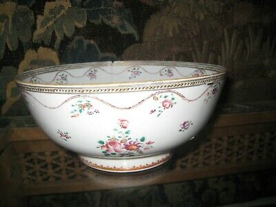Antique 18Th Century Famille Rose Chinese Large Porcelain Bowl.