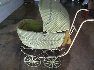 ANTIQUE HEDSTROM GREEN BABY WICKER CARRIAGE, 1920's, WOOD SPOKES,BRAKE,NICE