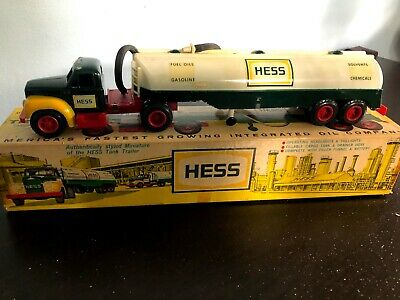 Original 1964 Hess Tanker Truck with Box. GOOD CONDITION
