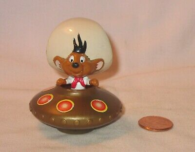 Looney Tunes Speedy Gonzales On Removable Space Vehicle PVC Figure