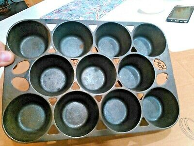 Vintage Griswold No.10 Muffin Pan.#939.Popover.Cornbread.Cast Iron.