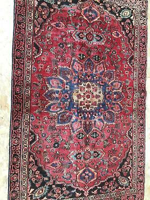 A FABULOUS ANTIQUE HANDMADE TRADITIONAL ORIENTAL RUG (178 x 110 cm)