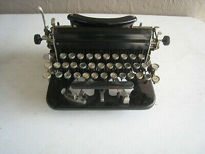 1929 Imperial Typewriter Model D Works Well Rare & Hard to Find !