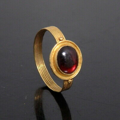 Roman Gold Ring Set With Garnet (N287)