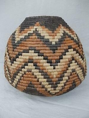 742 / Good Sized Vintage Tribal Native Wooven Basket With Geometric Design